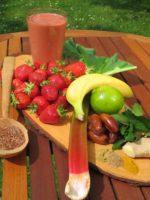 Smoomo des Monats - Juni 2016 - Erdbeer-Rhabarber-Minze - Quadrat