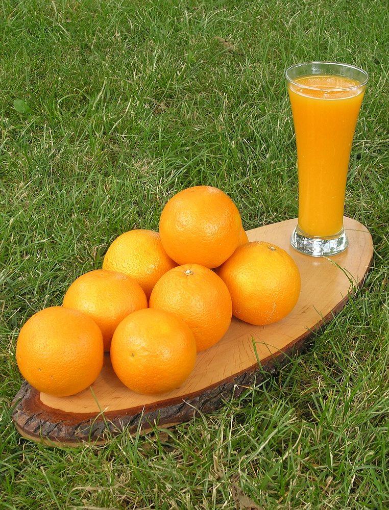 Orangensaft, frisch gepresst (unbearbeitet)